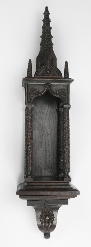 Continental carved wall niche, 31