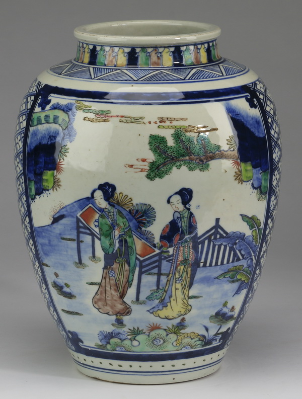 Chinese wucai jar with maidens, 12