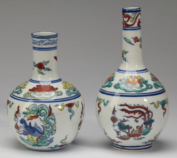 (2) Chinese Ming style bottle vases, 5