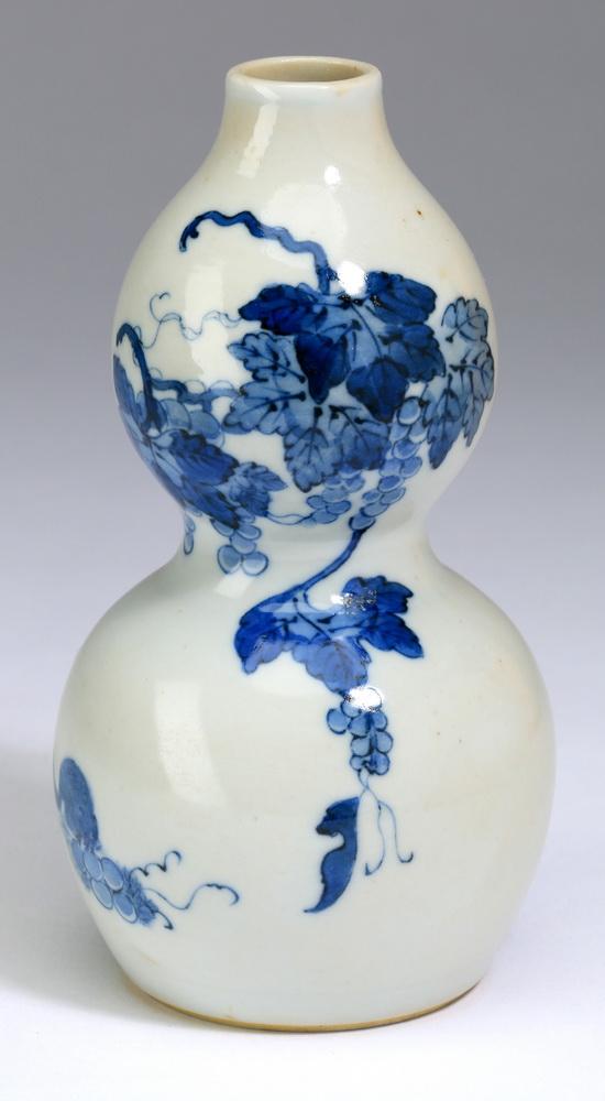 Chinese double gourd vase, Kangxi mark, 5