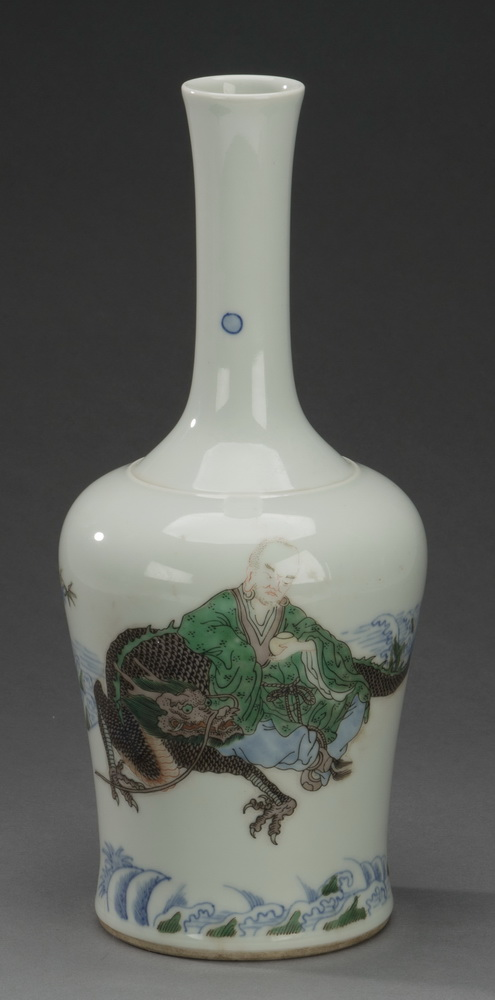Chinese famille verte louhan and dragon vase, 12