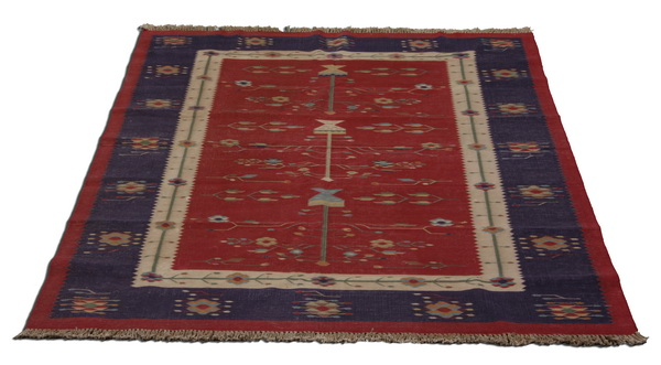 'Tree of Life' motif area rug, 100
