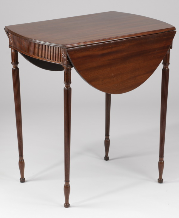 19th c. Sheraton mahogany drop leaf side table, 28