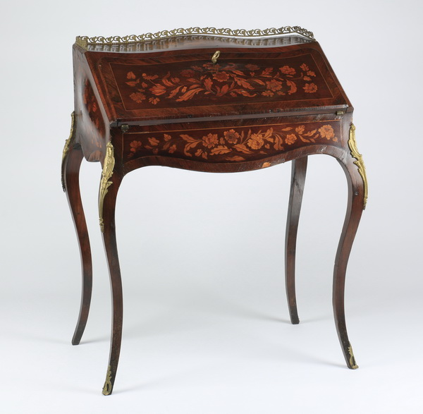 Louis XVI style marquetry inlaid desk, 37