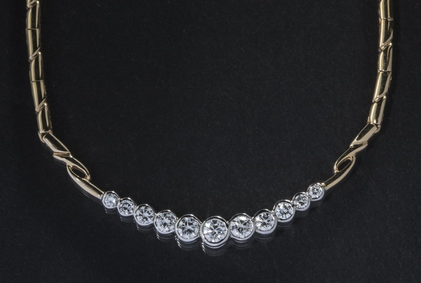 Contemporary 1.5ctw diamond & 14k gold necklace, 17