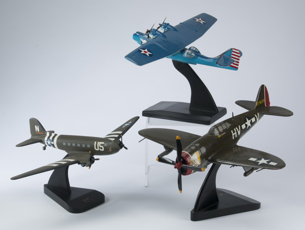 (3) Models of WWII era planes, incld a 'Razorback'
