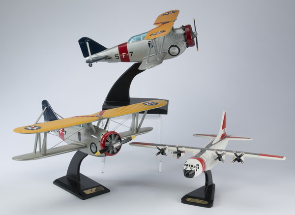 (3) Aviation models including a US Navy G5-FF1