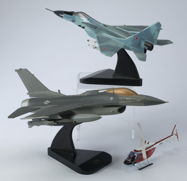 (3) Aviation models including a MiG-29 'Fulcrum'