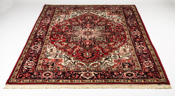 Hand knotted Indo-Heriz wool rug, 6 x 9