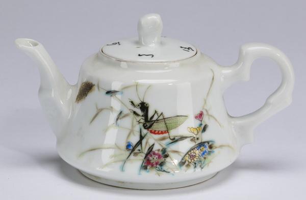 Chinese polychrome teapot w/ cricket motif, 3