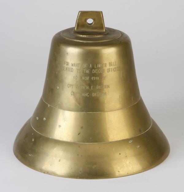 Ceremonial bronze bell, inscribed, 9