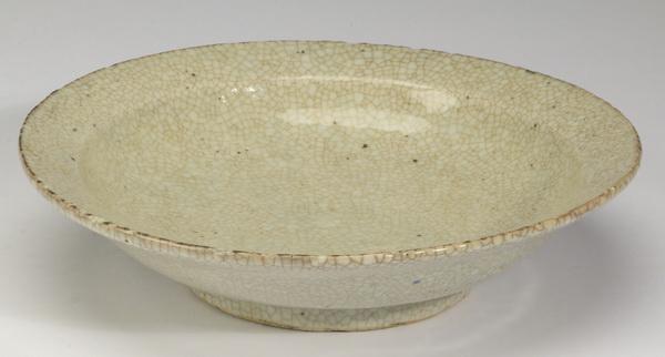 Chinese Ge type shallow bowl, 8
