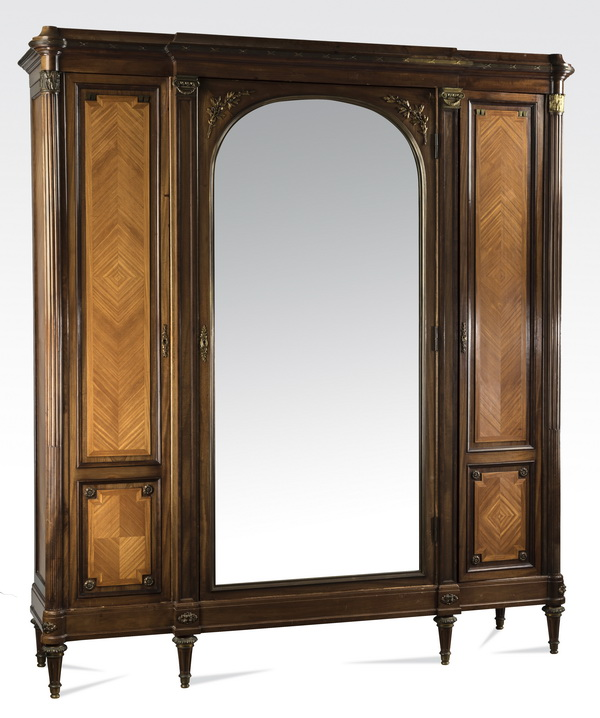 Continental parquetry inlaid 3-door armoire, 86