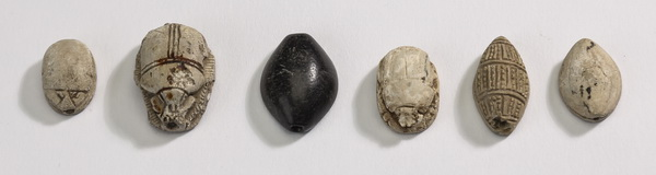 (6) Ancient Egyptian stealtite & basalt scarabs