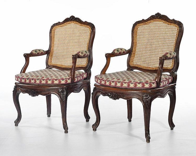 paire de fauteuils cann 233 s d 233 poque louis xv est