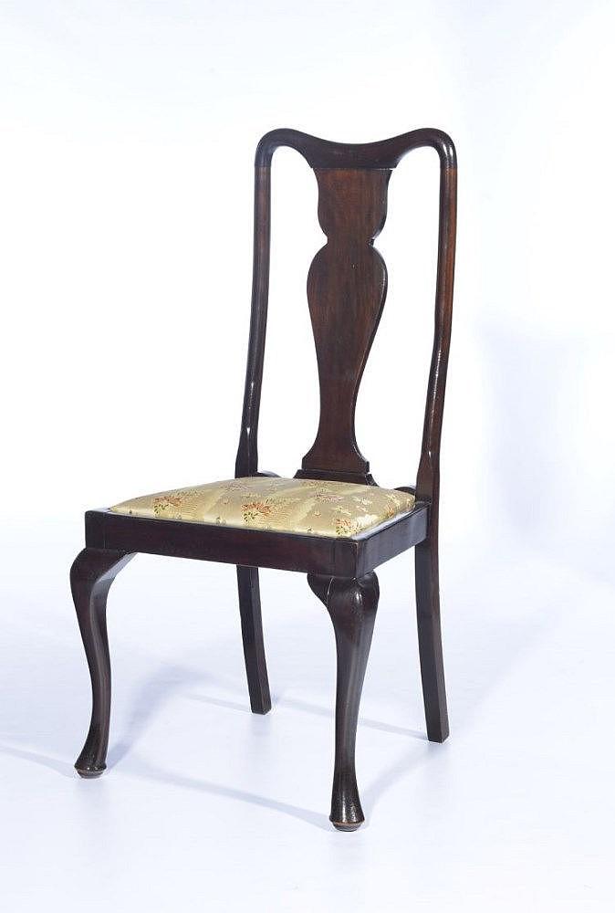 Suite de 10 chaises de salle manger de style geo - Chaises de style ancien ...