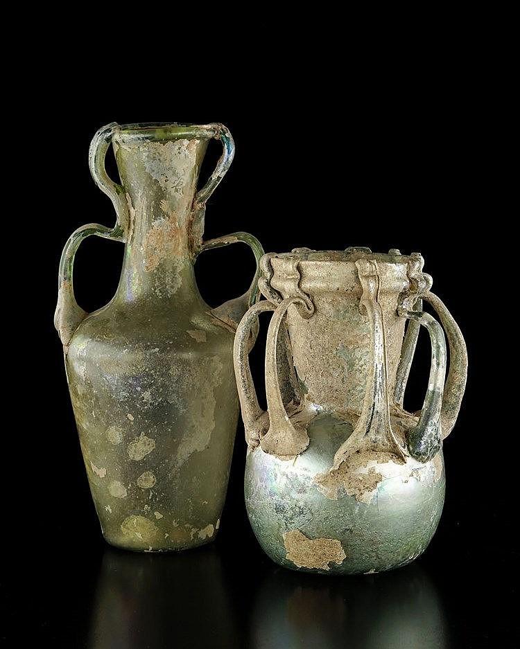 Deux vases empire romain levant iie iiie s ap jc for Vase antique romain
