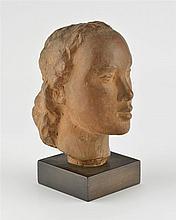 Nelly Patkévitch (?)  Tête de femme, sculpture en terre cuite ocre, ver