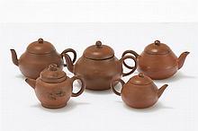 Ensemble de cinq petites théières Yixing  Grès, Chine, dynastie Qing (1