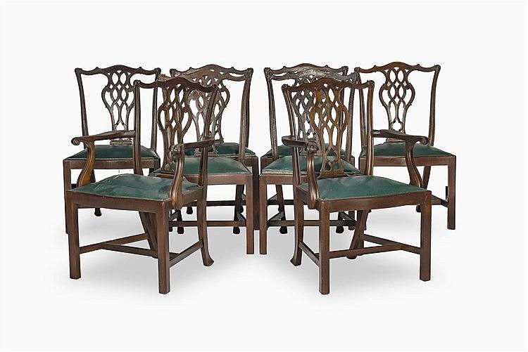 suite de deux fauteuils et six chaises de style chippendale. Black Bedroom Furniture Sets. Home Design Ideas