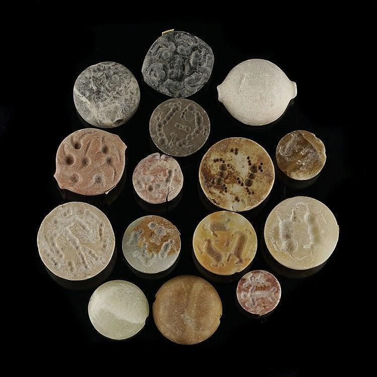 15 sceaux-cachets hémisphériques, Djemdet Nasr, 3000-2900 av. JC