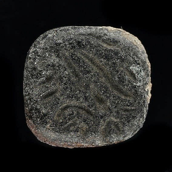 3 sceaux-cachets marbre noir et blanc, probablement Anatolie, 3000-2000 av. JC