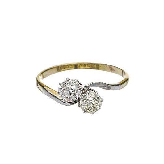 Bague toi et moi sertie de deux diamants taille ancienne (total env. 1 ct)