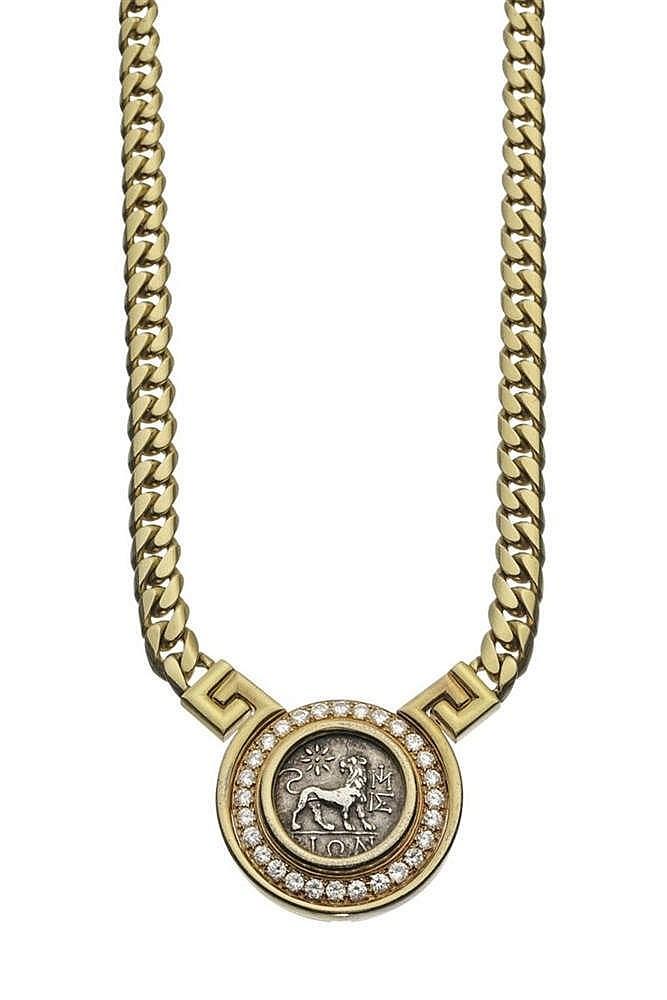 Bulgari, Monete, collier à maille gourmette plate serti d'une pièce antique entourée de diamants