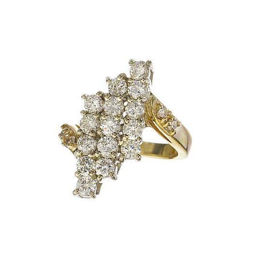 Bague sertie de trois rangs de diamants (env. 1.5 ct)