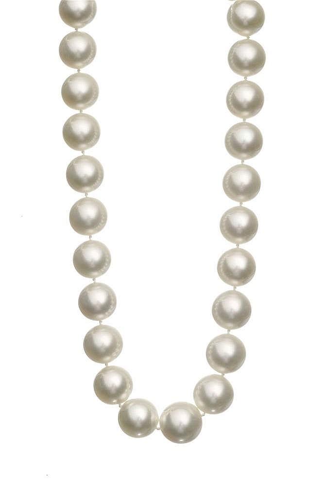 Collier de perles des mers du Sud en chute (D 15 à 17 mm)