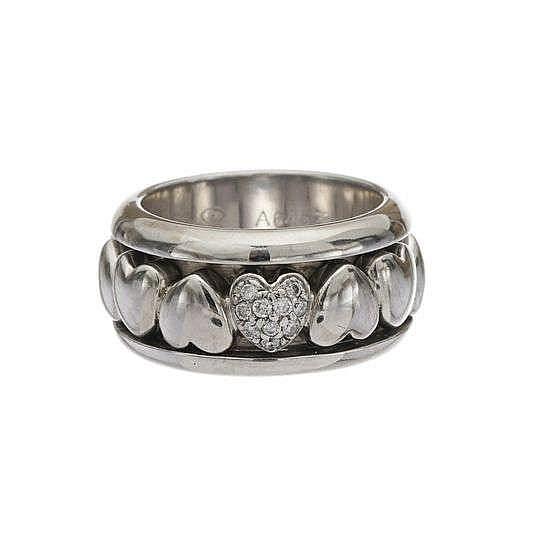 Piaget, bague composée d'un anneau mobile à motif de cœurs, l'un serti de diamants