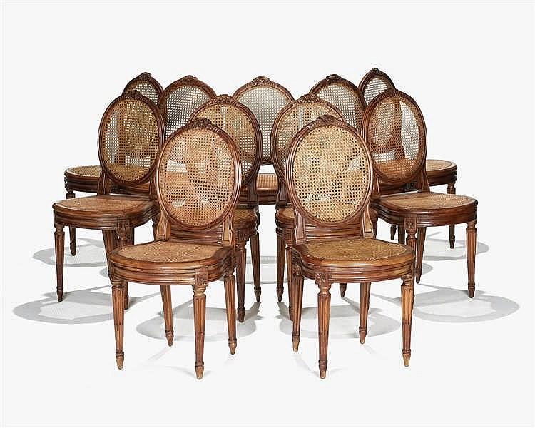suite de 11 chaises cann es de style louis xvi. Black Bedroom Furniture Sets. Home Design Ideas