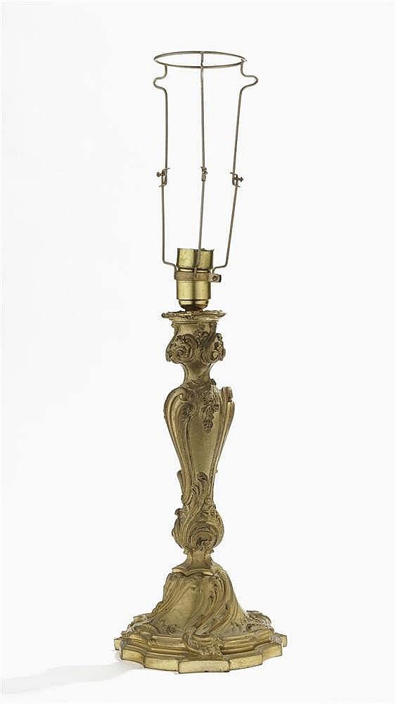 Important bougeoir de style Louis XV monté en lampe