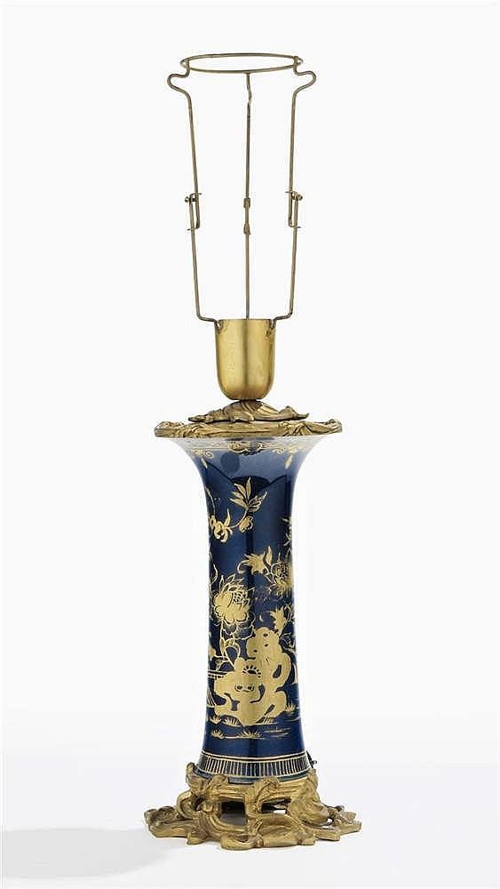 Vase rouleau monté en lampe, circa 1880