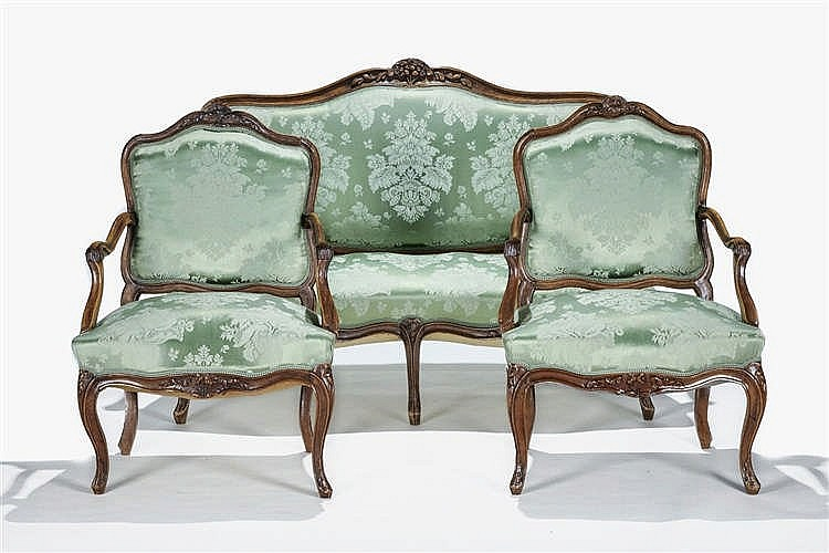 canap deux places et paire de fauteuils d 39 poque louis xv. Black Bedroom Furniture Sets. Home Design Ideas