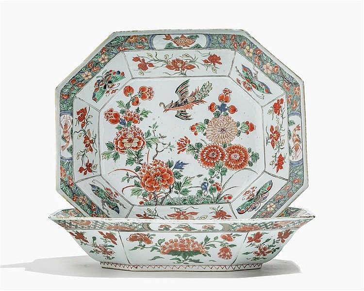 Paire de plats octogonaux famille verte, Chine, époque Kangxi (1661-1722)