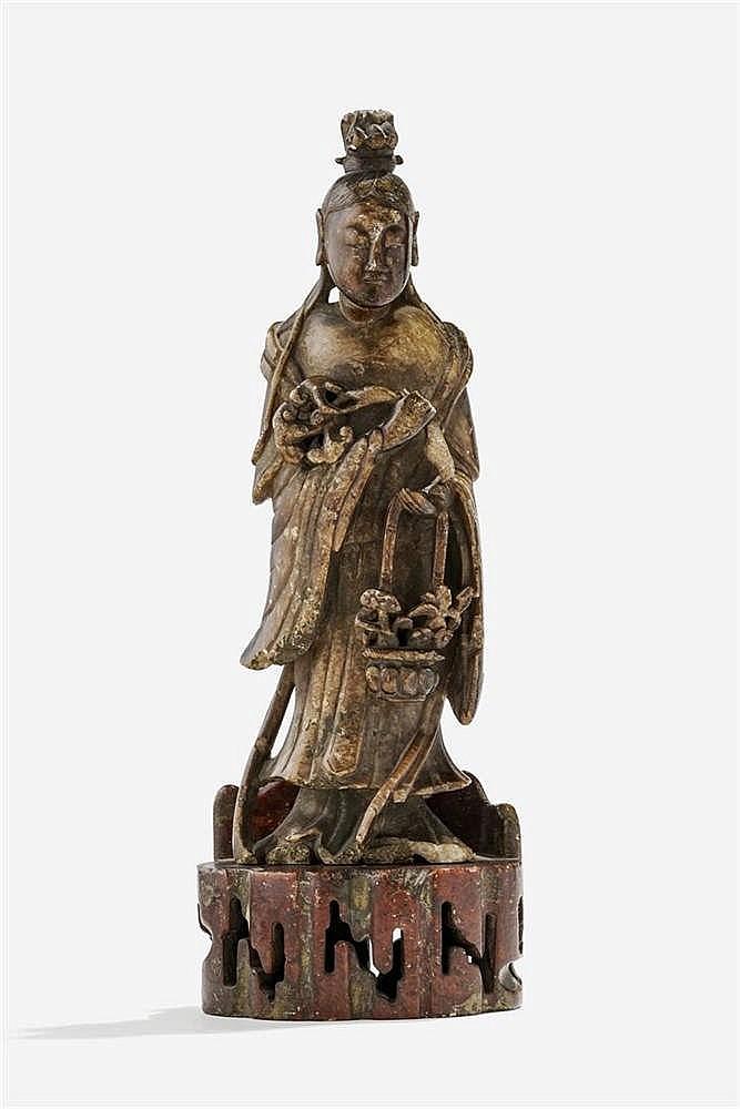 Guanyin tenant un panier de fleurs, Chine, dynastie Qing (1644-1912)