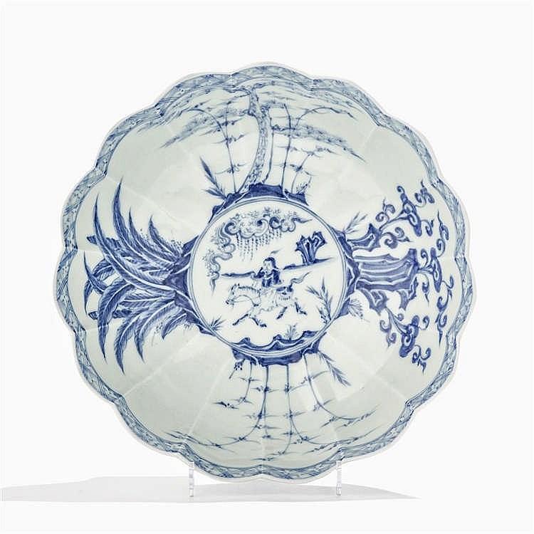 Grand bol à côtes, Chine, dynastie Qing (1644-1912), marque apocryphe Chenghua (1465-1487)