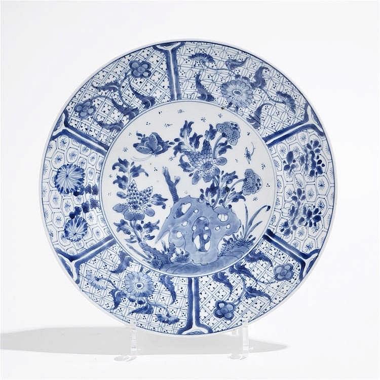 Grande assiette, Chine, marque et période Kangxi (1654-1722)