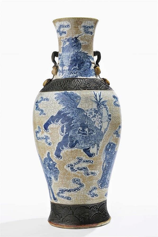 Grand vase, Chine, dynastie Qing (1644-1912), marque apocryphe de Chenghua (1465-1487), XIXe s