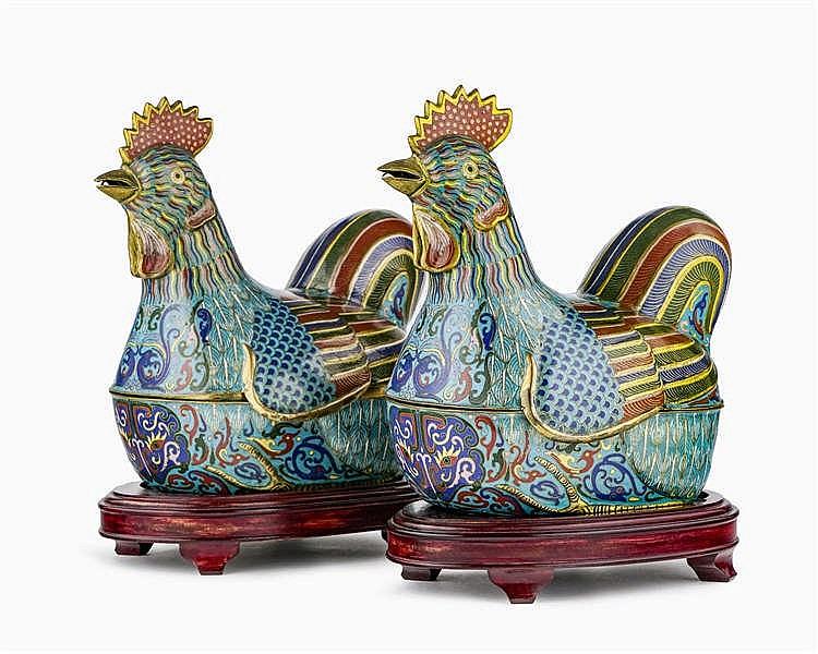 Paire de boîtes cloisonnées en forme de coqs, Chine, fin dynastie Qing (1644-1912), début République