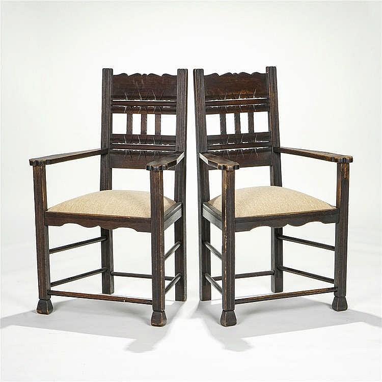 Paire de fauteuils, Russie, dans le style de l'école de Talachkino, circa 1900