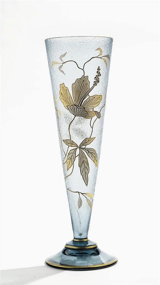 Grand vase cornet dans le goût de Montjoye - Legras & Cie à Saint Denis