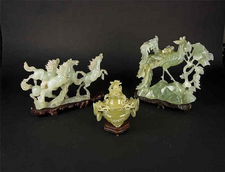 Three Jade Carvings: Galloping Stallion, Tripod Censer and Phoenix 策马奔腾 玉鼎 凤 三件套 重(Weight):2702g/1439g/4411g