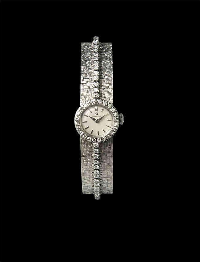 Omega , 18k white gold, push back, diamond set 18k white gold bracelet. 欧米茄18K白金手链, 链及表壳带钻, 手动机械, 女装