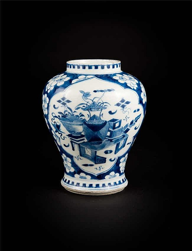 Gaungxu Blue and White Jar with Windows of Floral Decorations 光绪冰梅开光青花博古罐