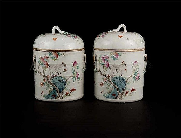 Qing, Tongzhi A Pair of Famille-rose Floral Bird Jar with Cover 清同治粉彩花鸟盖罐(一对 ) 高(Height): 53.9cm 宽(Width):16.6cm