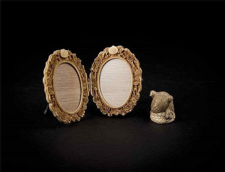 Republic Period Ivory carved Snail and a Picture Locket 民国象牙安居乐业,民国象牙像框 (一组两件)