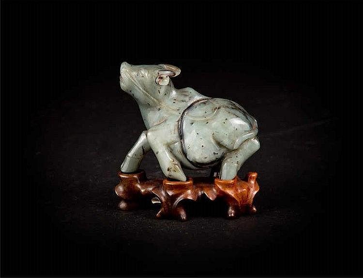 Qing, Celadon Jade Buffalo 清,青白玉牛