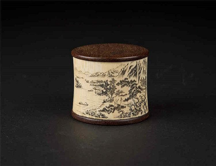 Ivory Box Carved with Landscape 象牙山水雕刻盒 高 (Height): 6.0cm 宽(Width):7.9cm 重 (Weight) : 123g